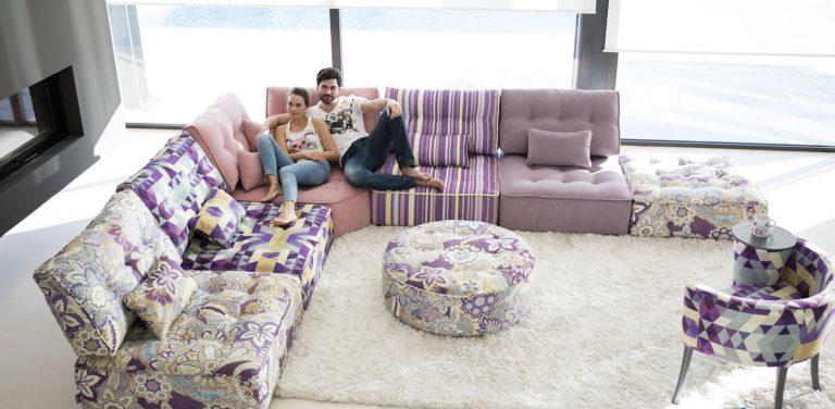 Arianne Love de Fama Sofás. rinconera, Sofá modular de gran calidad, muy cómodo, moderno y con mucho diseño. Sofá bajito de respaldo bajo.