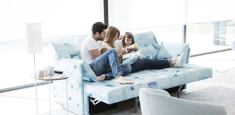 Sofá cama relax de Fama Sofás. Respaldo regulable, respaldo del línea recta, motorizado, de diseño, cómodo, moderno