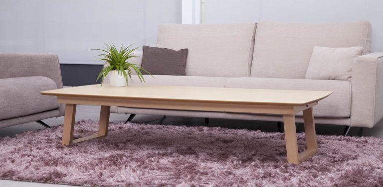 Mesa adaptable convertible en mesa de comedor de madera